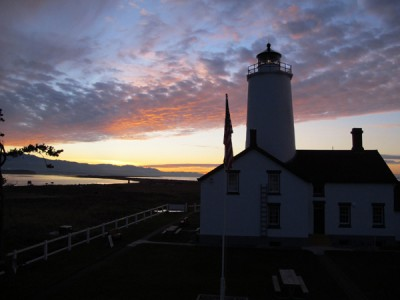 At New Dungeness Lighthouse   ExploreOlympics com