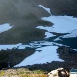 Iceberg jam at head of lake