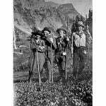 UW Digital Collection Album 2913a Men and women on outing route August 1920